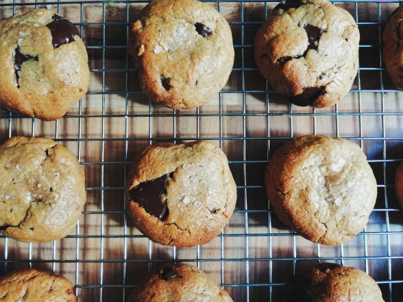 peanut butter cookies nigellaeatseverything.com