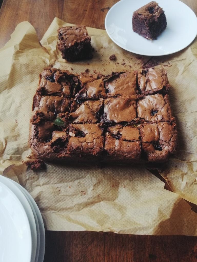 blackberry and bay brownies nigellaeatseverything.com