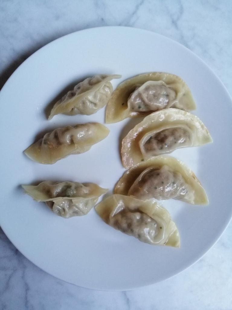 how to make gyozas nigellaeatseverything.com